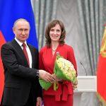 Владимир Путин в Кремле вручил премию молодым ученым